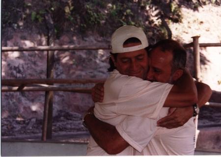 Abraço do Reencontro após 28 anos