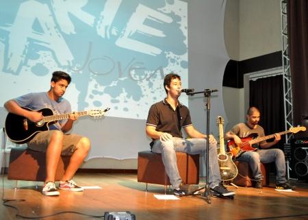 A banda Dark Rouses fez parte do evento - Hendrigo Costa Acom PMSGRA